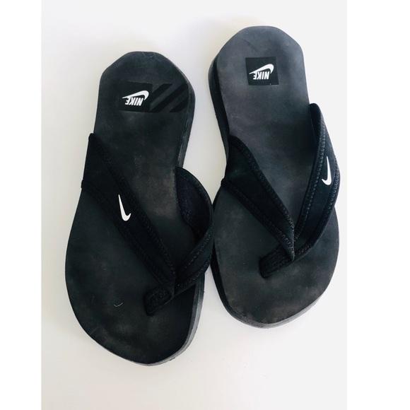 a18cd53f334b Nike South Beach Celso Flip Flops Thong Sandals. M 5c06a485534ef90b67e620a4